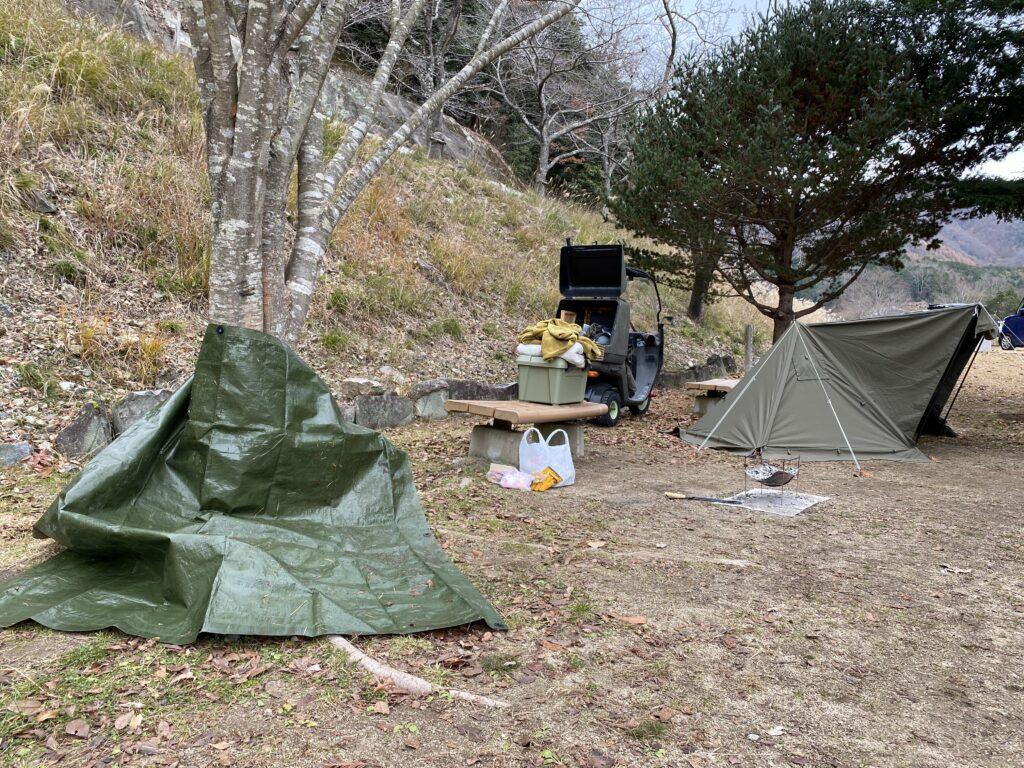 キャンプ 撤収中