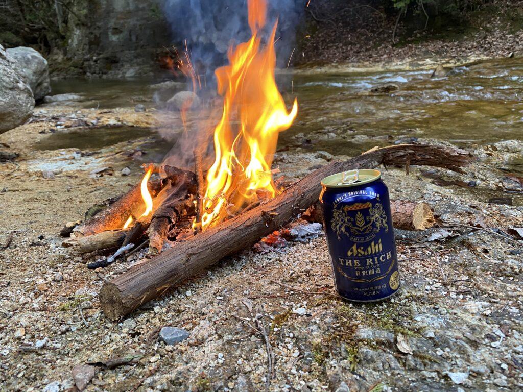 焚き火とビール